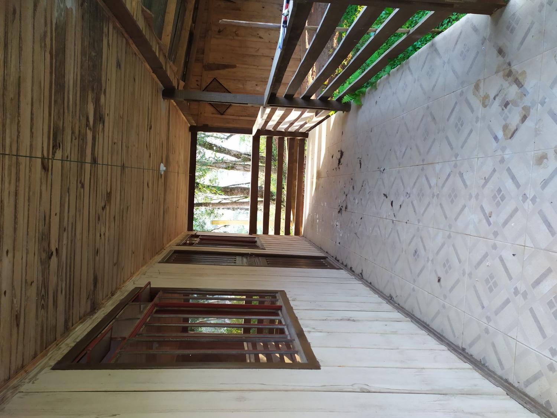 Residência em madeira para alugar
