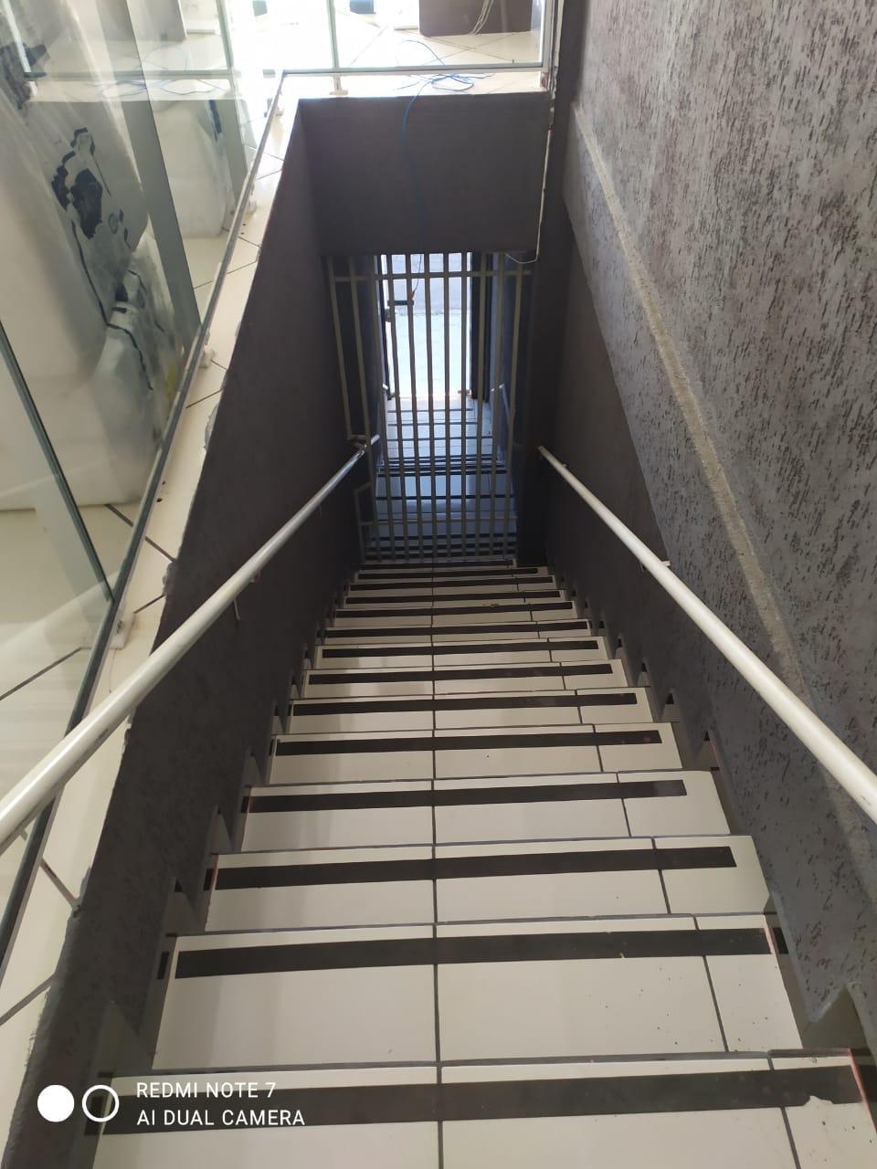 Ótimo ponto comercial para alugar no centro no pavimento superior